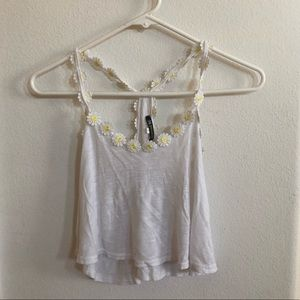 Tops - Crop white Daisy tank